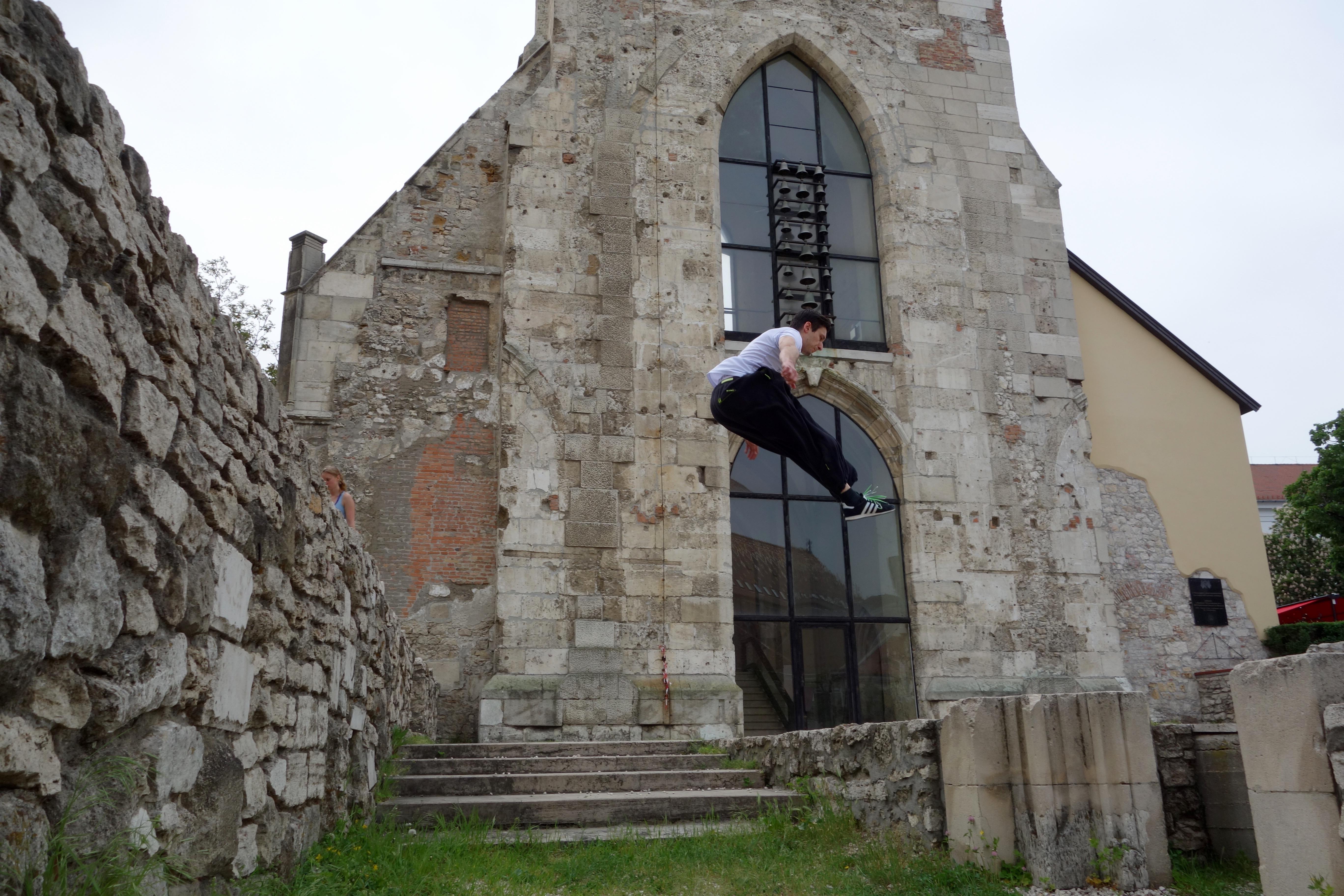 Kirche - Landephase TOM