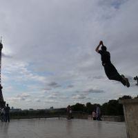 Eiffelturm - Sprung
