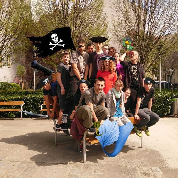 IMG_20190407_133437_smaller_pirates.thumb.jpg.c6c0c42abc04f1c77de58a87324ee84a.jpg